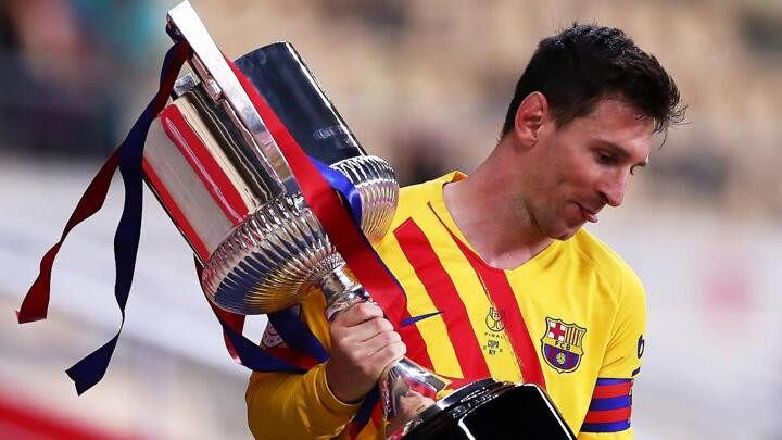 """Copa del Rey: Messi hails """"special"""" triumph as Barça chief backs star to sign new deal"""