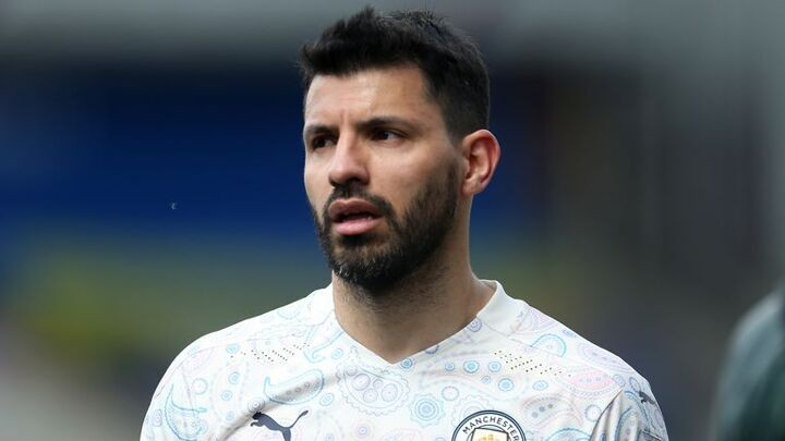 Barcelona hold initial talks with Aguero's representatives over free transfer
