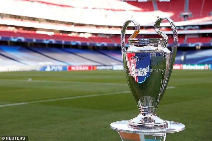 Chelsea and Manchester City fans demand UEFA to move Champions League final from Istanbul to England