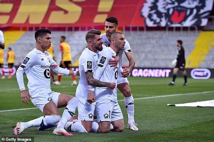 Lens 0-3 Lille: Christophe Galtier's side move four points clear of Paris Saint-Germain