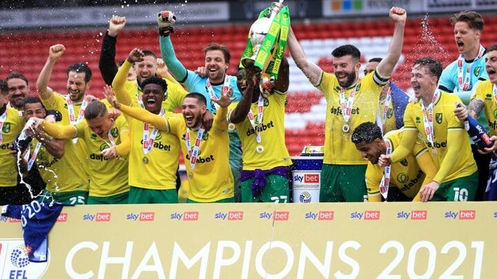 Barnsley 2-2 Norwich City: Canaries lift Championship trophy after Oakwell draw
