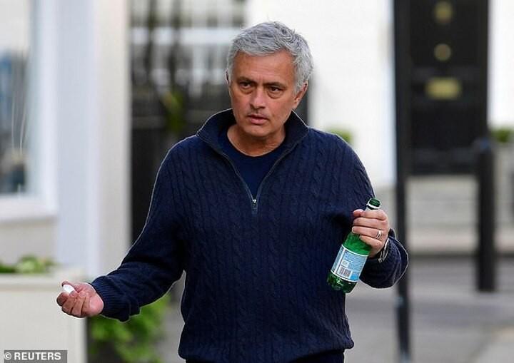 Tottenham 'tell Mourinho hands off' amid talk of bids for Dier and Hojbjerg