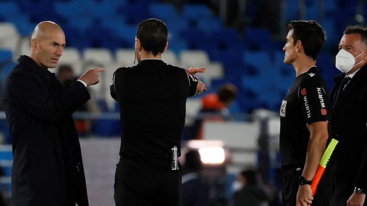 Zidane slams match official after controversial Sevilla penalty