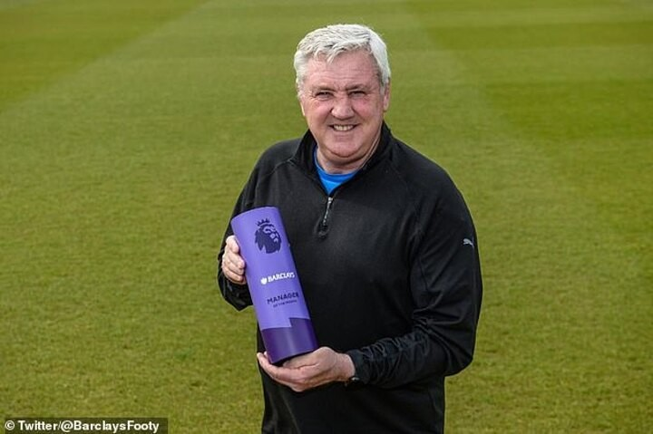 Newcastle's Steve Bruce named Manager of the Month, but fans still unimpressed