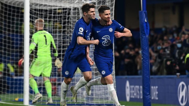 Chelsea beat Leicester to edge closer to top four finish