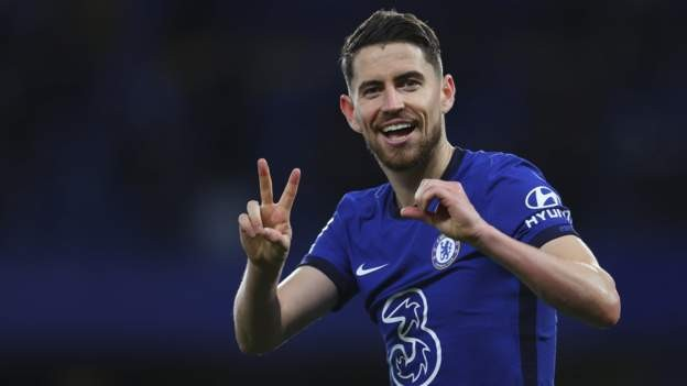 Chelsea beat Foxes to boost CL hopes