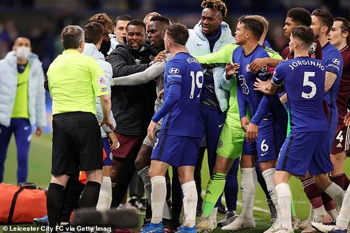 Chelsea and Leicester players involved in heated touchline clash at Stamford Bridge
