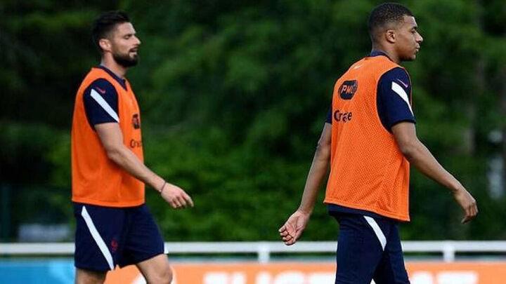 Mbappe confirms Giroud tension