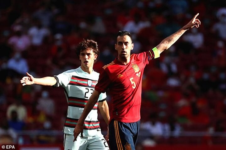 Huge boost for Spain as Busquets re-joins the squad ahead of Poland clash