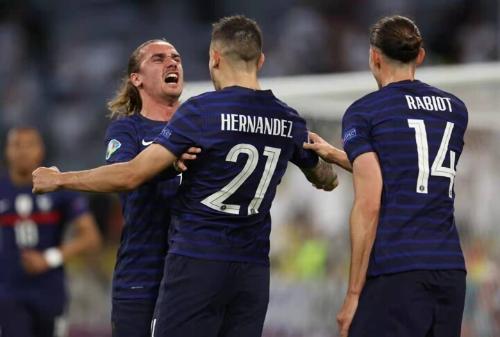 Text in Pictures: Imagine what Griezmann was saying to Lucas Hernandez & Rabiot
