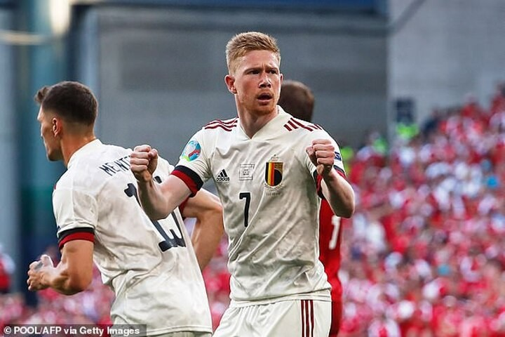 De Bruyne reveals he may not fully recover from injury for up to SIX MONTHS