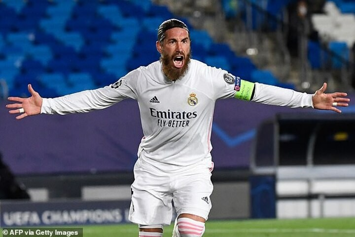 PSG 'make initial contact with Ramos on signing him for free'