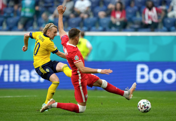HT: Sweden 1-0 Poland. Forsberg opened the scoring, Lewy hits the woodwork