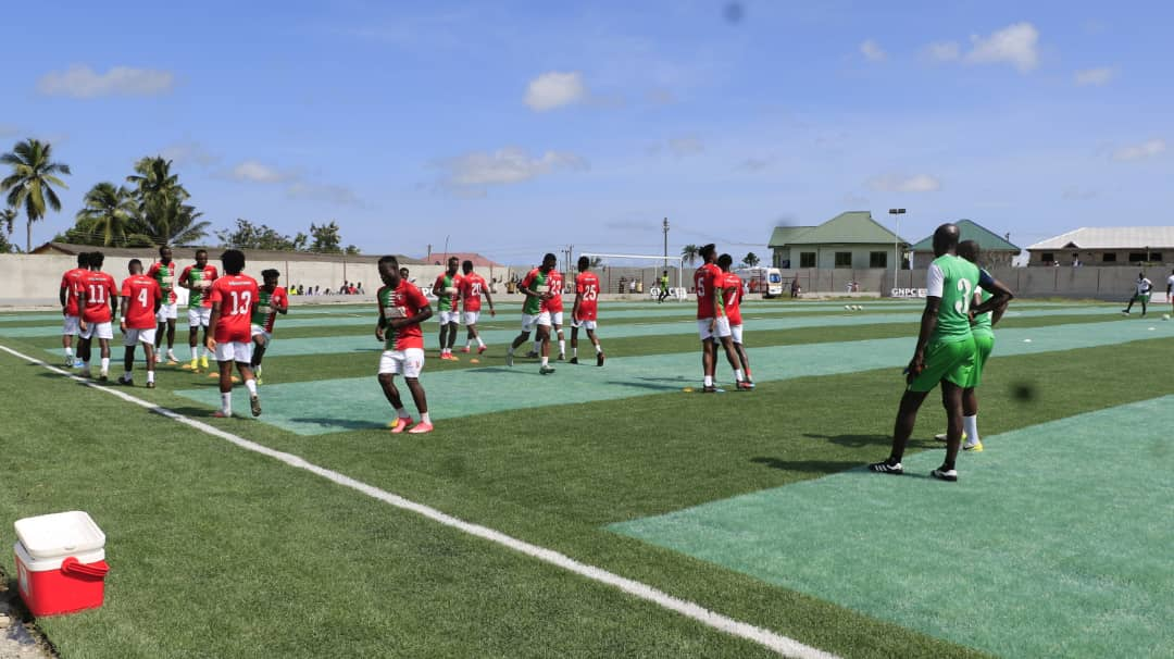 Breaking!! Bloody scenes as irate Karela United fans attack Medeama players, journalists chased out