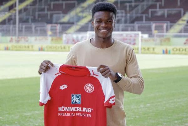 German side Mainz 05 release Ghanaian defender Michael Akoto