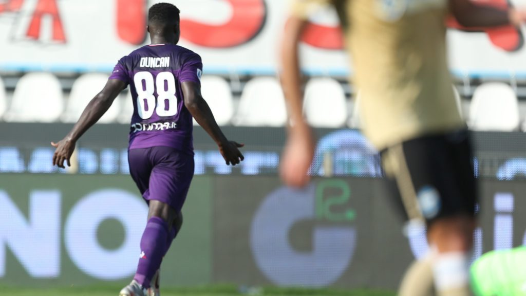 VIDEO: Watch Alfred Duncan's strong challenge that resulted in goal for Fiorentina