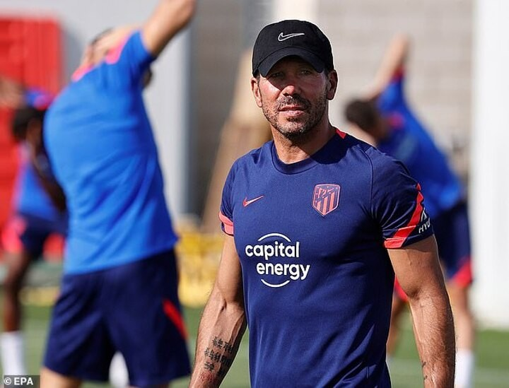 Diego Simeone tells Real Madrid & Barcelona 'they know they can't make mistakes'