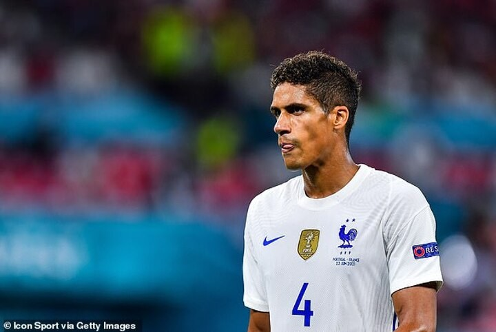 Raphael Varane 'has agreed deal with Manchester United until 2026' but 'nothing agreed with Madrid'