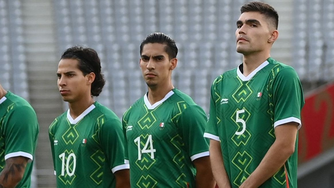 Flipped flag on Mexico jersey causes stir