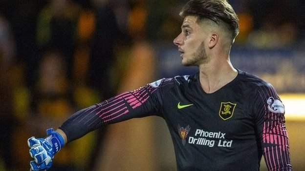 Wolves loan keeper Sarkic to Birmingham
