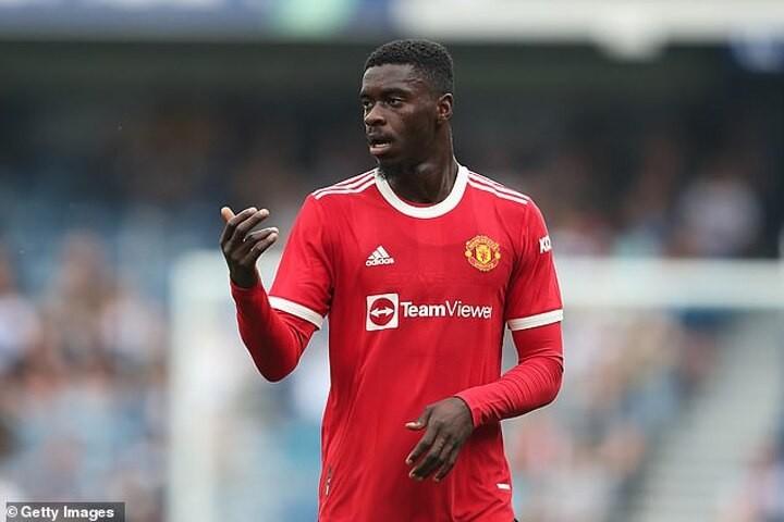 Newcastle 'pushing to sign Man United defender Axel Tuanzebe amid frustrations over Joe Willock bid'