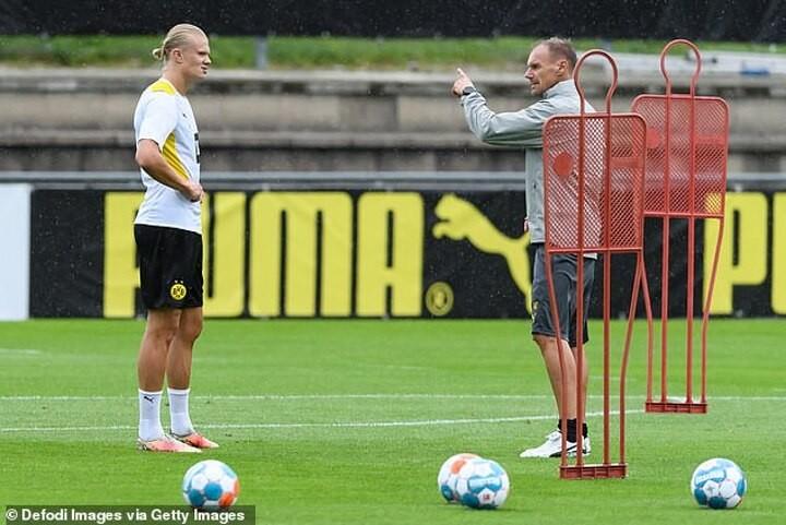 Haaland dismisses Chelsea links as Dortmund star baulks at £150m fee