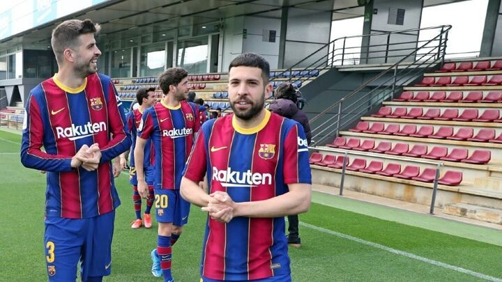 Barcelona propose salary readjustment to players