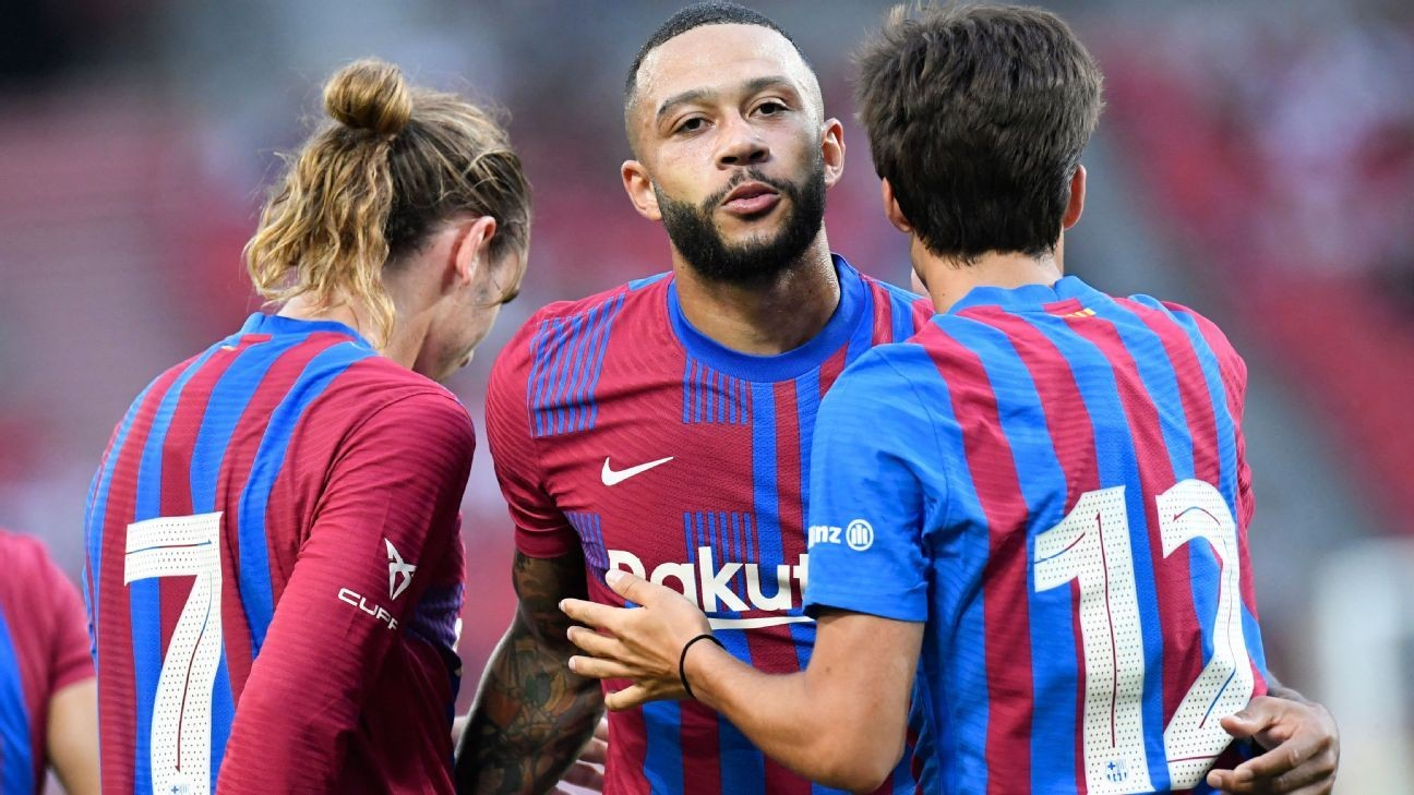 Memphis on target again in Barca's friendly win