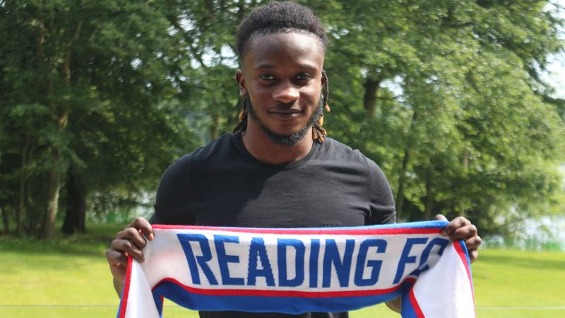 Ghanaian teenager Lynford Sackey signs first professional contract at Championship side Reading