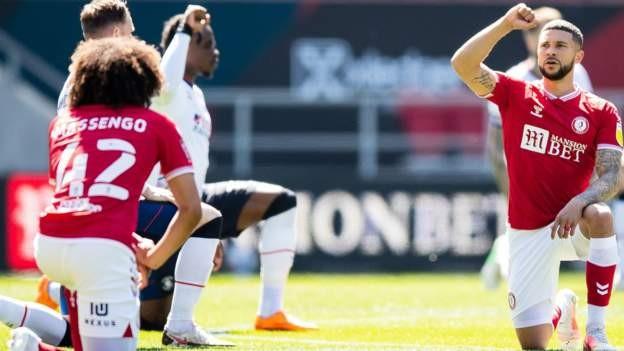 EFL backs players taking a knee