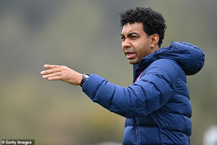 Arsenal confirm Betsy as new U23s boss with ex-England U18 coach replacing Bould