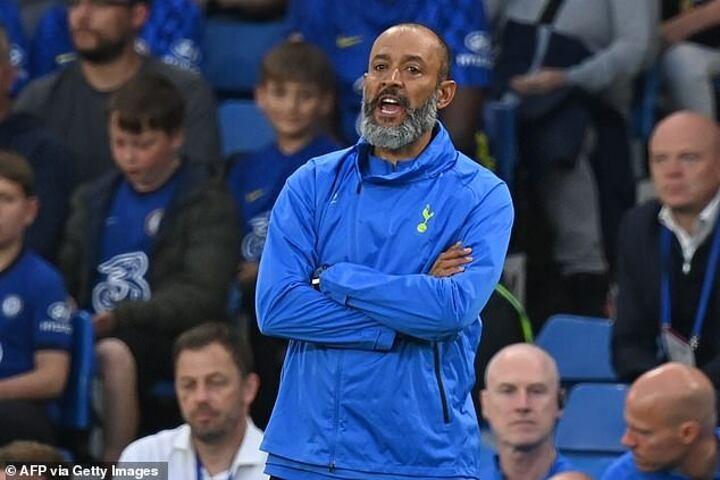 Nuno Espirito Santo reveals he hasn't even SPOKEN to Harry Kane since taking over at Tottenham