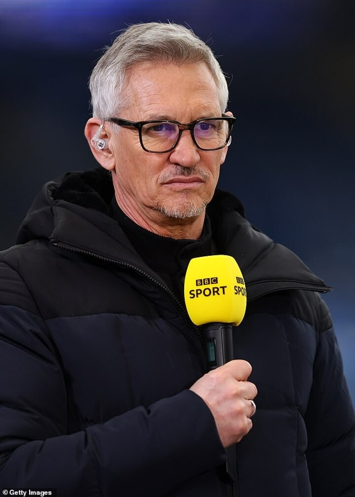 Lineker: 'how on earth Barcelona got themselves into this Messi predicament'