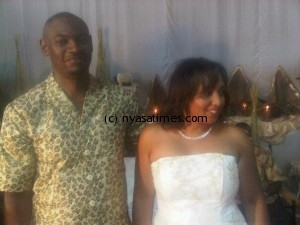 Malawi FA president Nyamilandu survives crash, wife dead