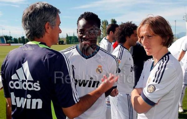 Real Madrid star Michael Essien suffers injury, out of Deportivo clash